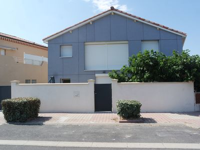 Photo for ground floor flat in a house by the seaside in Occitanie
