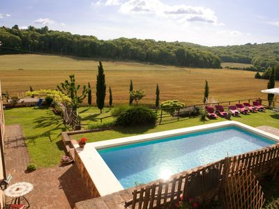 Photo for Private Villa with A/C, private pool, hot tub, WIFI, TV, patio, panoramic view, close to Siena
