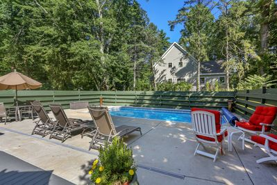 Rosie's Cottage: enjoy a heated salt-water pool for your enjoyment!