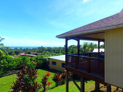 Photo for Titikaveka Hillside Retreat, stunning views quiet
