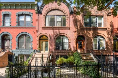 You'll love this Brooklyn apartment's historic exterior and convenient location.