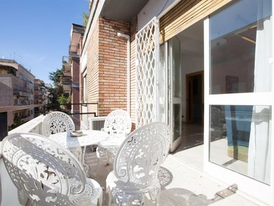 Photo for Devoti 454 apartment in Trastevere with air conditioning & balcony.