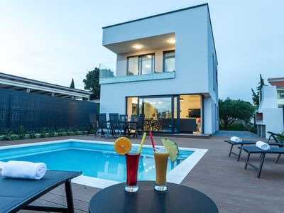 Photo for Luxury villa with private pool, great sea view, only 100m from the beach