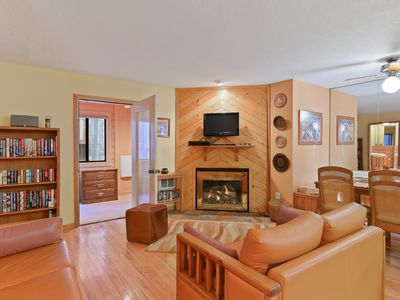 Photo for Newly updated, family-friendly home close to mountain and restaurants!