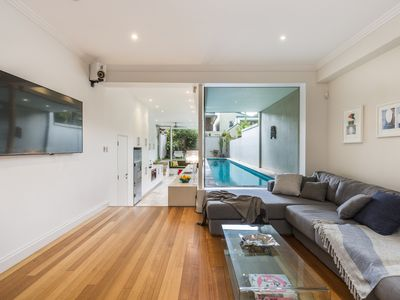 Photo for Stylish 3 Bedroom Pool House in Surry Hills