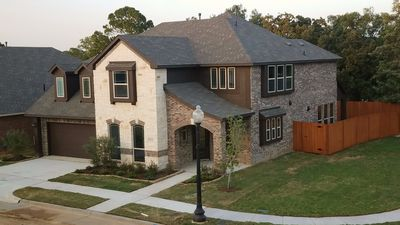 Photo for Beautiful 3500 Sqft, 5 bed 3 bath home located in the heart of Dallas Fort Worth