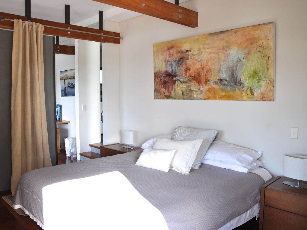 Greenwich Holiday Apartment: Quiet, Tranquil Sydney Harbour Waterfront