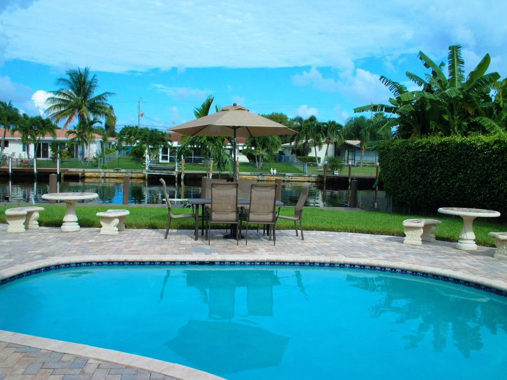 SPECTACULAR WATERFRONT HOME, POMPANO BEACH: 3 BR Vacation House for ...