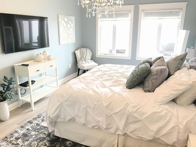 Master bedroom with King bed (new pillow-top mattress)  and smart TV