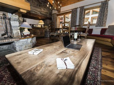 Photo for Nice chalet located in the heart of Val d'Isère close to the slopes - 5 room apartment 8 people