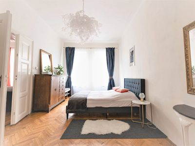 Charming apartment with the bathtube for two in the quiet Prague center