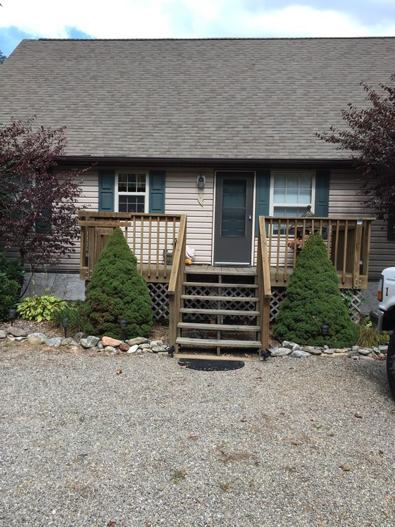 Brookside Cottage 3 Br 3 Ba Three Bedroom House In