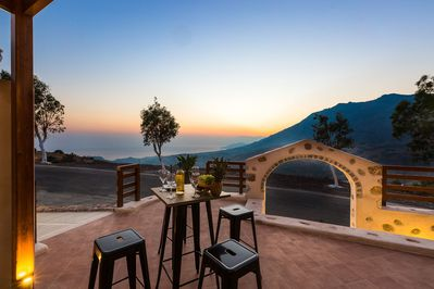 Located in a peaceful area with panoramic views.