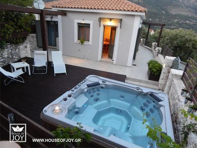 Photo for House of Joy 3 bedrooms with outdoor jacuzzi