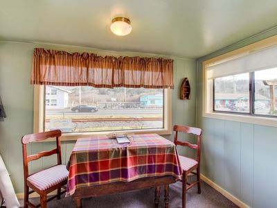Photo for Charming cottage w/central location, mountain views & beach access across street