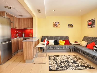 Photo for Apartment 130m from the beach, with air conditioning/heating, balcony, wifi, A139