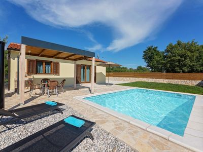 Photo for Quiet holiday house with pool, 2 separate bedrooms, garden
