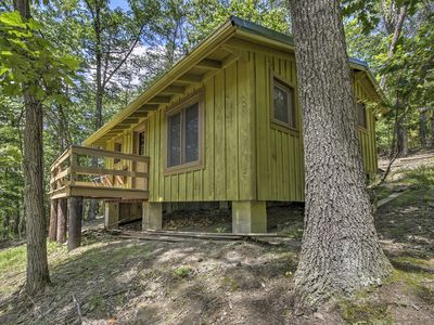 Photo for Cabin w/Deck + Ranch - 1 Mi to Raystown Lake!