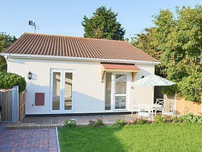 Photo for 1 bedroom property in Broadstairs. Pet friendly.