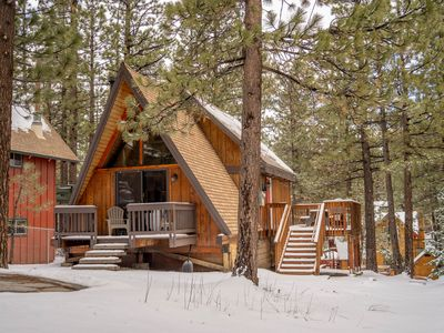 Photo for A-Frame Cabin, Heated bath floors / updated bathroom. Mins. from Big Bear Lake