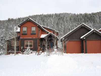 Photo for Vista Point House - Close to Ski Shuttle - Hot Tub & 2 King Suites