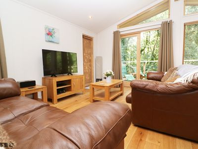 Photo for 6 STREAMSIDE, pet friendly, with hot tub in Lanreath, Ref 989286