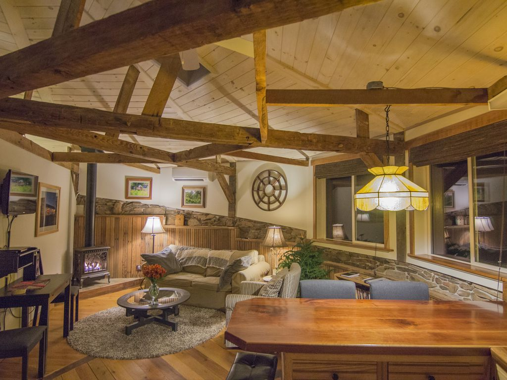 Unique Romantic Hideaway For Hobbits Hon Vrbo Country Kitchen Taneytown Md
