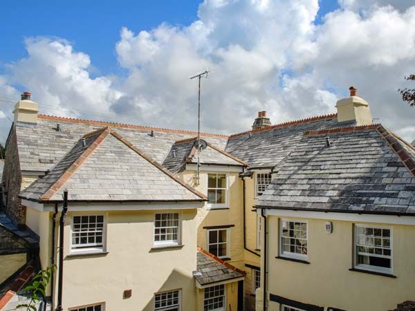 WARMINGTON HOUSE Pet Friendly In Camelford Ref