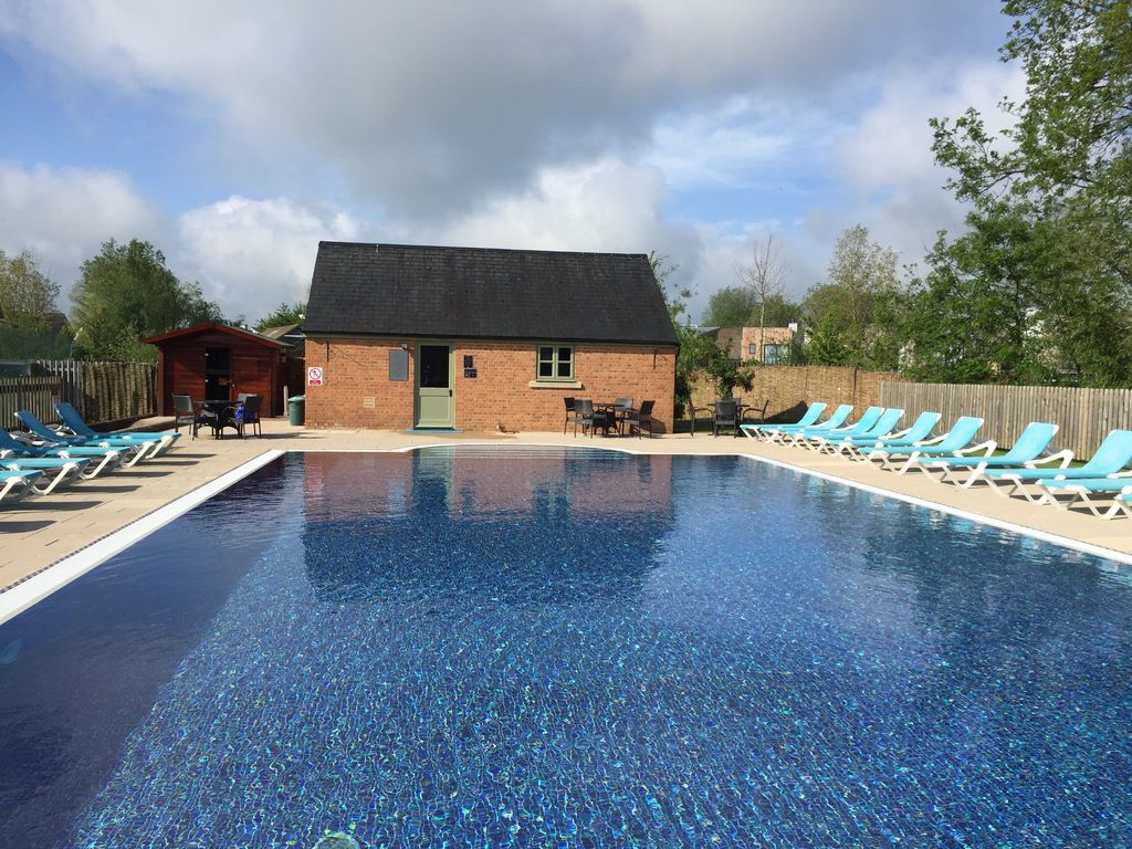 A Charming Cottage On The Lower Mill Private Nature Reserve In The Cotswolds Milton Keynes