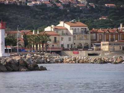 Photo for Banyuls sur Mer T3 (direct access to the beach / near center)