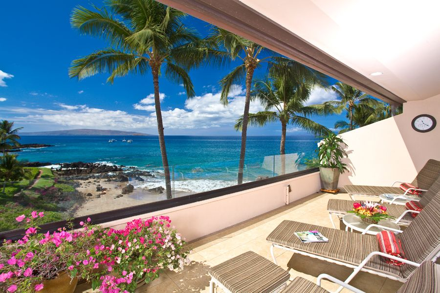 Amazing Beach and Ocean Front Views Turquoise