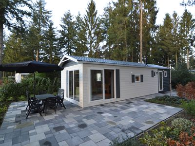 Photo for Luxury chalet in nature rich Holiday Park near castle village Vorden