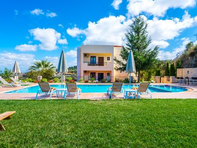 Photo for Laga Villa w/Pool, 300m toTaverns+Childrens Area+BBQ! 3.5 km from beach