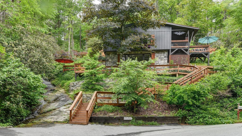 Luxury waterfall mtn cabin hot tub river family pet for Asheville cabin rentals pet friendly