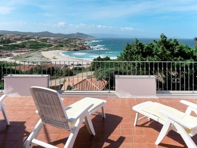 Photo for 4 bedroom Villa, sleeps 8 with WiFi and Walk to Beach & Shops