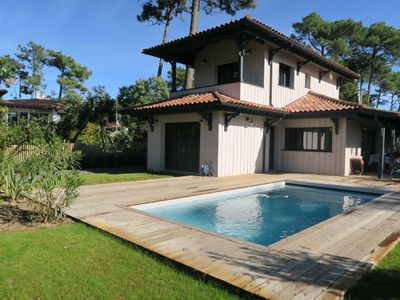 Photo for Beautiful new villa with heated pool in the center of Cap Ferret