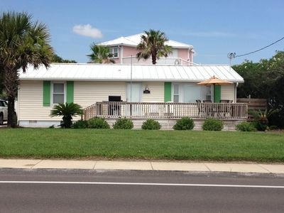 Quintessential Beach Cottage, STEPS From The Ocean, & WE LOVE PETS!