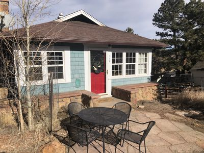 Photo for Twin Owls Cottage - 3 bedrooms and close to downtown!