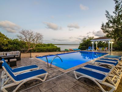 Hidden Cove: Family Hideaway w/Free Kayaks & Bikes, Private Pool and Dock