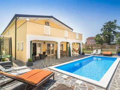 Photo for 4 * Apartment Dino with Private Heating Pool
