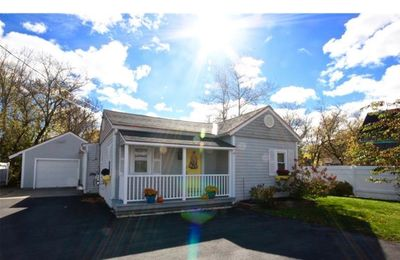 Photo for Relaxed South End Rockland Bungalow, 5 minute walk from downtown