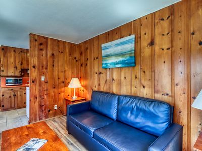 Photo for Convenient cabin with beach access & shared pool/hot tub - 2 dogs welcome!