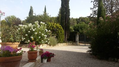 Photo for T2 At the foot of the hills of Pagnol. Ideal starting point between sea and Provence