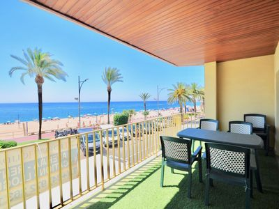 Photo for Discounts 10% 20% -Large apartment with sea view, 30 meters from the beach, for 8 people, internet, 5 minutes from the city center and discos