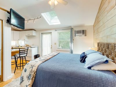 Photo for Studio cottage w/ community hot tub & pool - dogs welcome, close to beach & golf