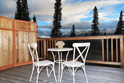 Best Private Deck in Denali. The view are amazing.