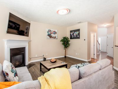 Photo for (NEW) Smart Home 3BR/2.5BA 8.3 Miles from Six Flags