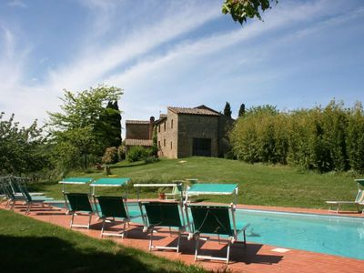 Photo for Ground floor apartment, for 4 persons, in Agriturismo close to Monte San Savino with pool, tennis co