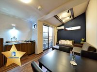 Apartment was very clean and well presented. Complete instructions on all appliances and even