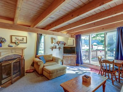 Photo for Family-friendly condo w/ a deck & easy ski lift access in a great location